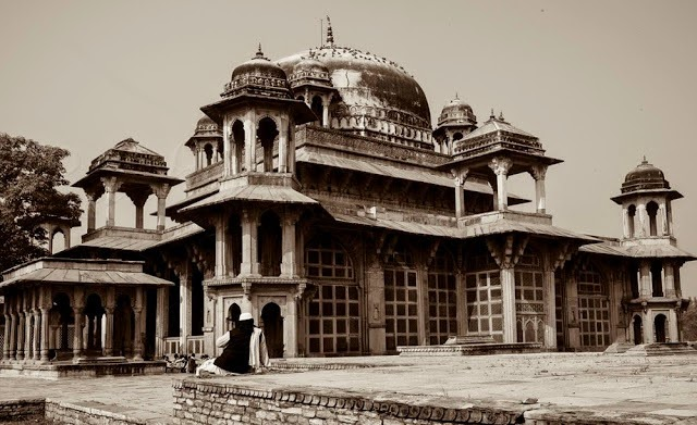 Gwalior Fort - History and Anecdotes