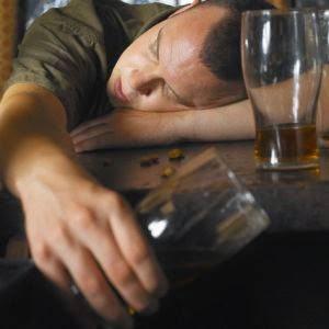 Minum minuman keras mabuk kesadaran lemah