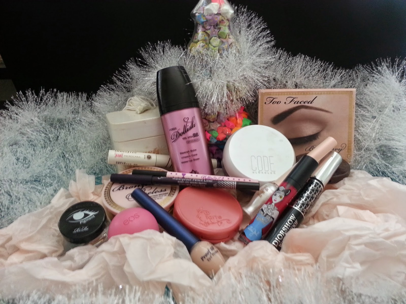 some of my makeup essentials for the holiday season