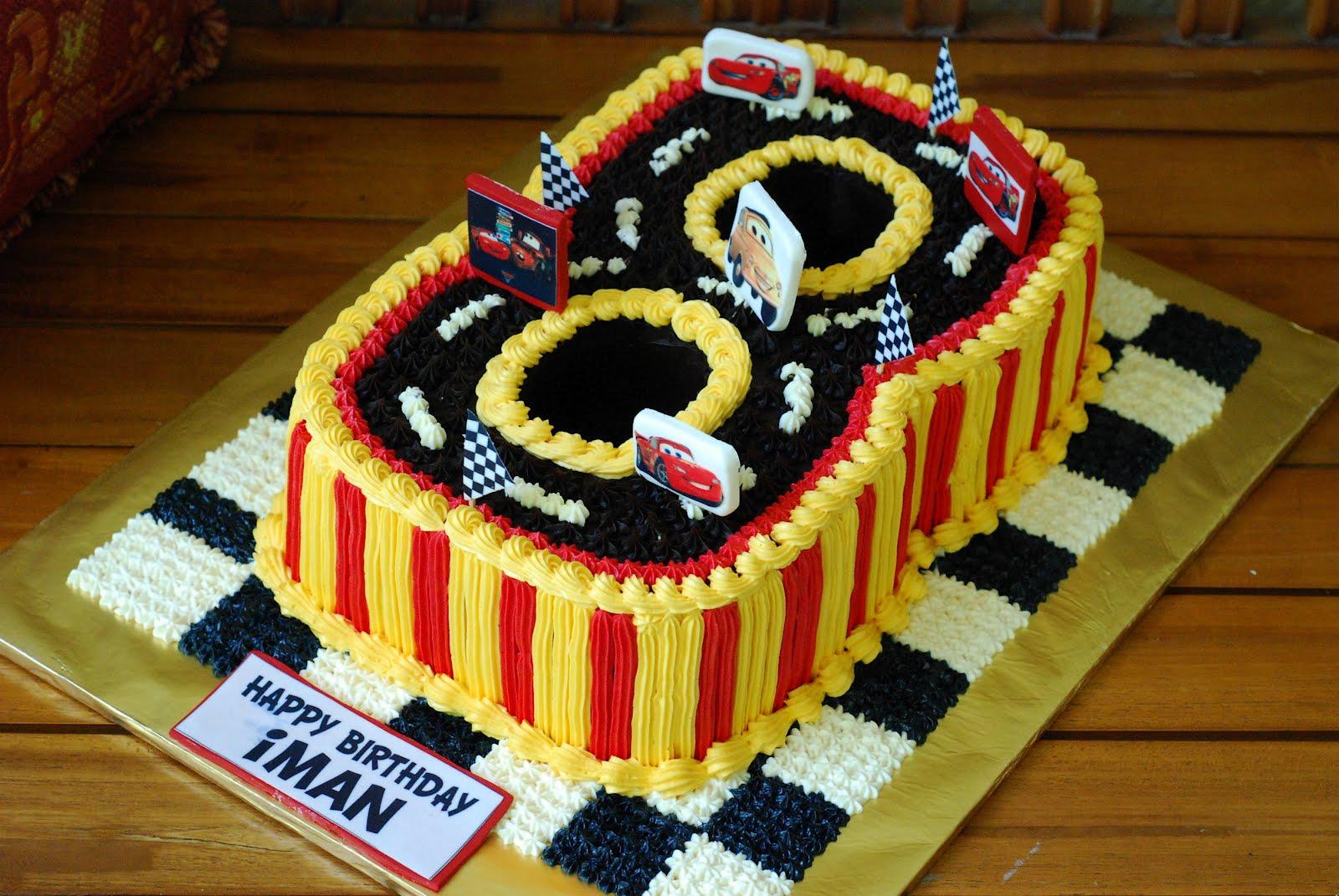 Cupcakes Confetti No 8 Cake