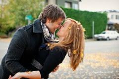 Aun sigo esperando a que me robes ese primer beso que siempre desee regalarte#