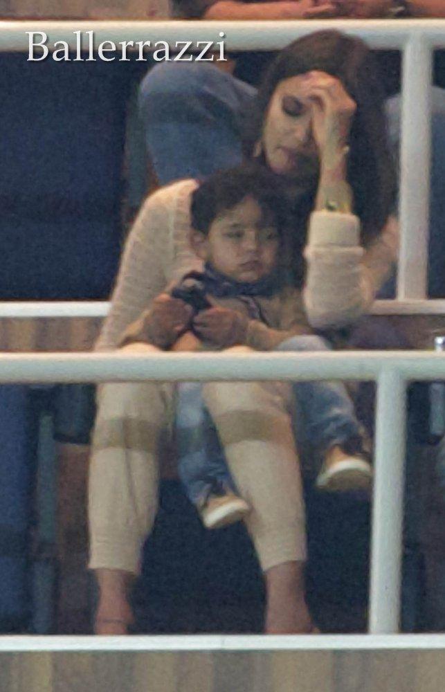 Irina Shayk   Cristiano Ronaldo Junior   04 03 2012    HQ K  Pek