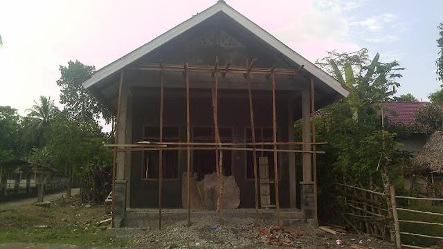 gedung PKK tampak depan Gampong Meunasah Raya Krueng Kec. Peukan Baro Kab. Pidie - Aceh