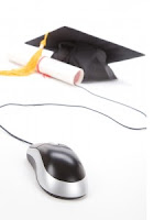 Computer mouse with graduation cap
