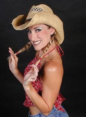 Savvy Sasha - Female Wrestling