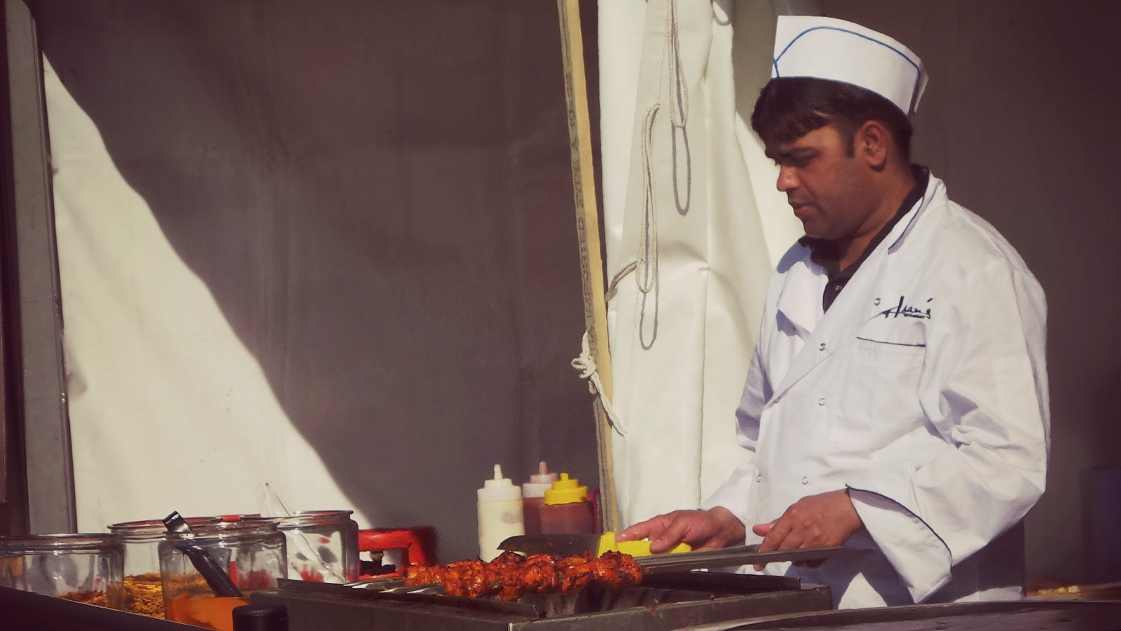Cooking chicken tikka