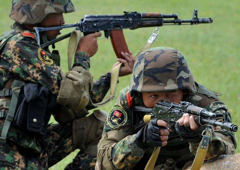Kirghizie Kyrgyz+%2527Scorpion%2527+special+forces+soldiers+exercise+at+the+Ala-Too++%25281%2529