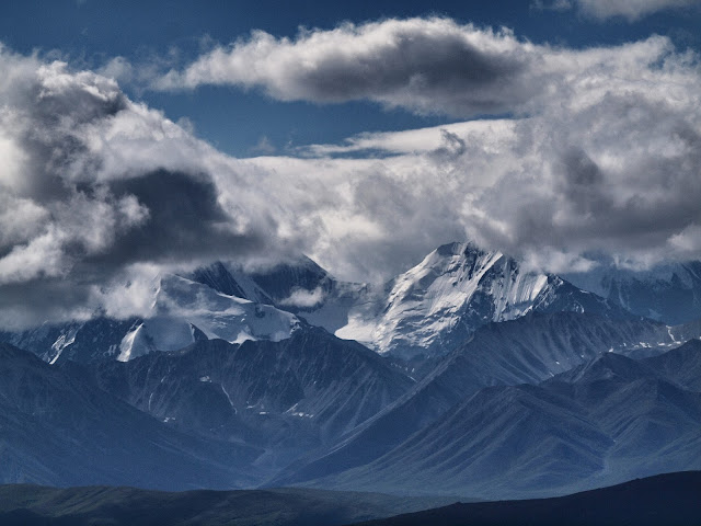 And the Clouds Came Rolling In, Mountains in Denali National Park, Alaska, #Denali #Mountains #clouds #Alaska