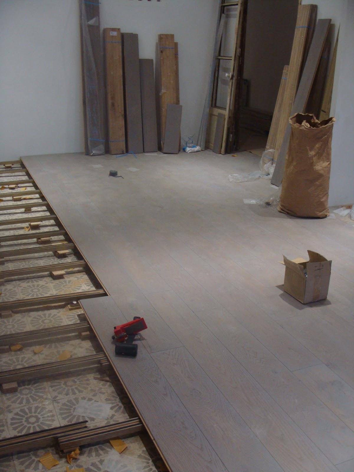 Andocarpinteando tarima natural en barcelona soluci n - Rellenar juntas piso madera ...