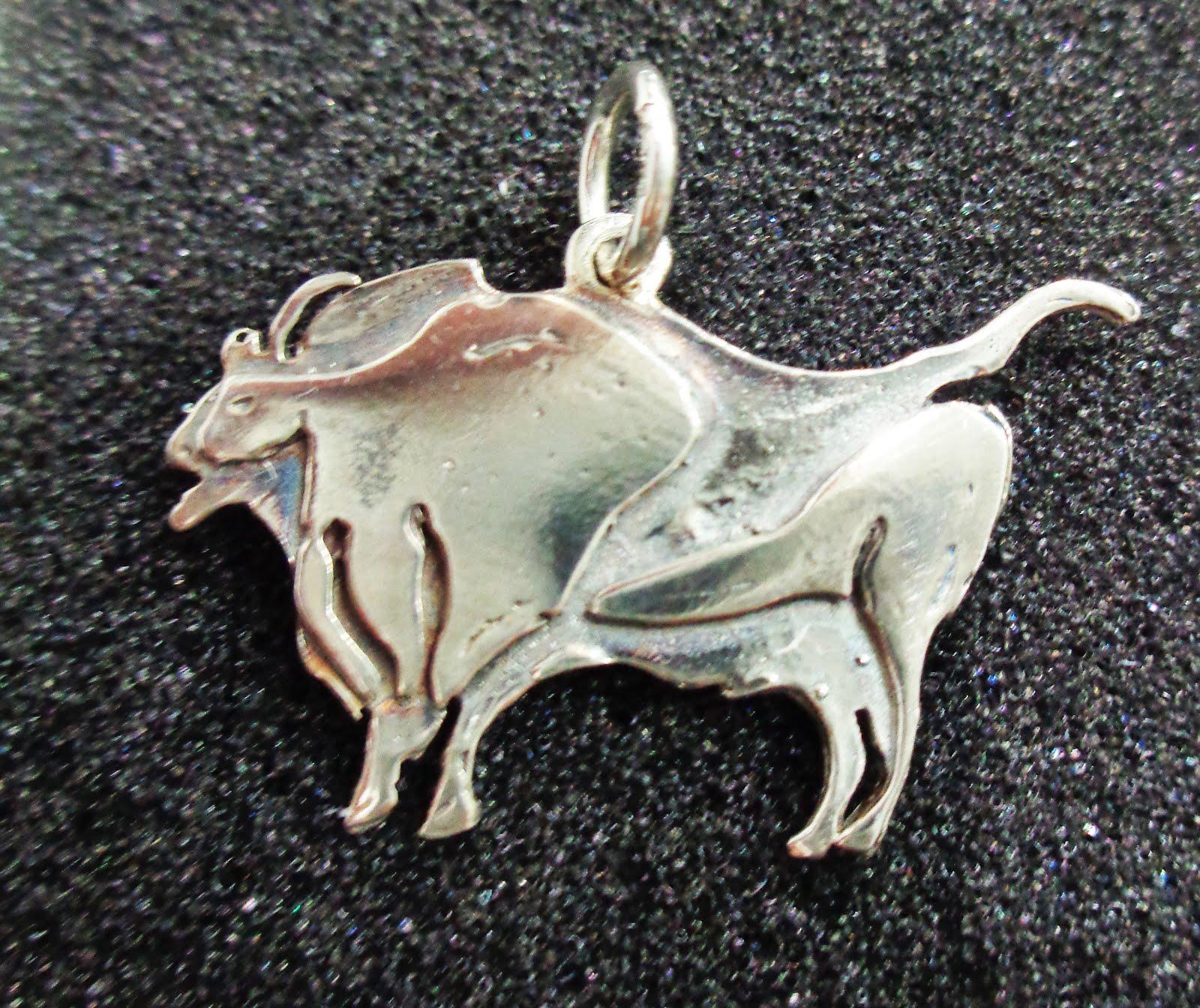 Colgante de plata bisonte de Altamira