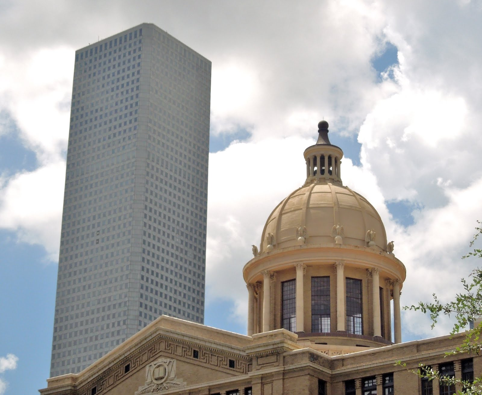 1910 Harris County Courthouse with Chase Tower