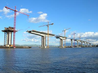 Video pembongkaran jembatan
