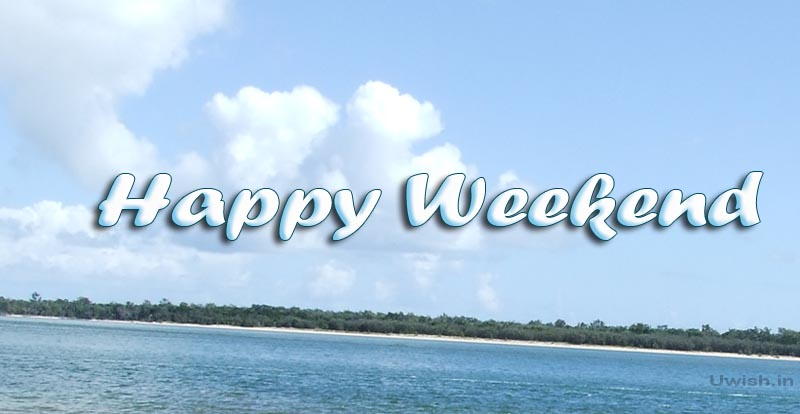 Happy weekend e greeting cards and wishes in a beach