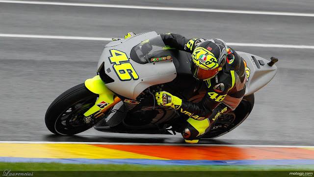Foto-Yamaha-YZR-M1-Valentino-Rossi_7