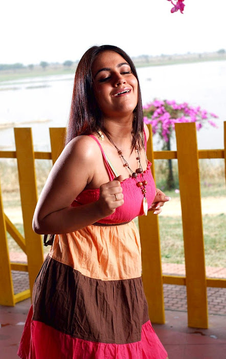 aksha actress pics