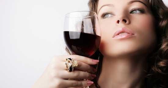 Resultado de imagen para bebiendo vino