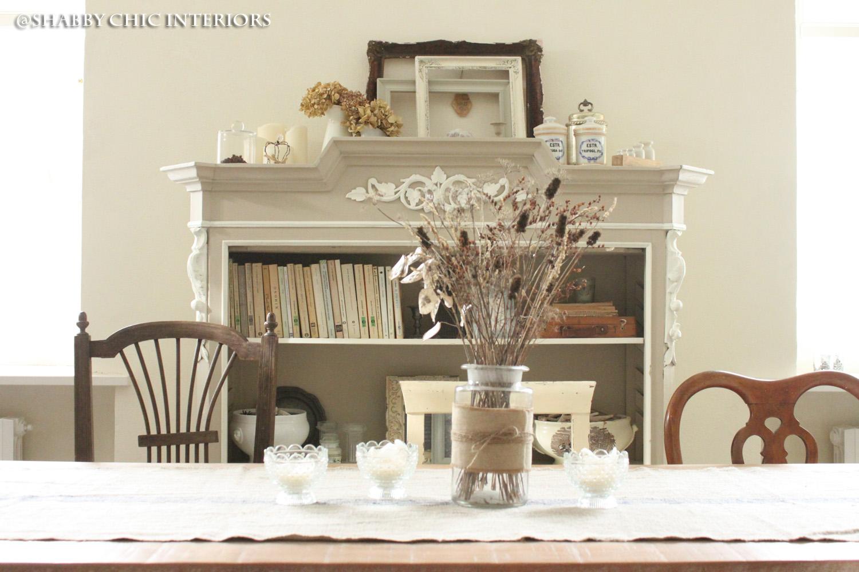 Trasformazione di una libreria shabby chic interiors for Parete attrezzata bianca e nera