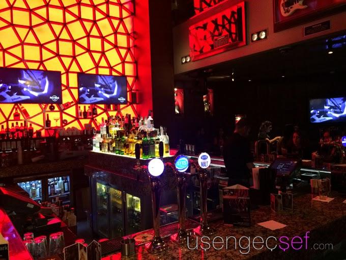 hard-rock-cafe-istanbul-bar