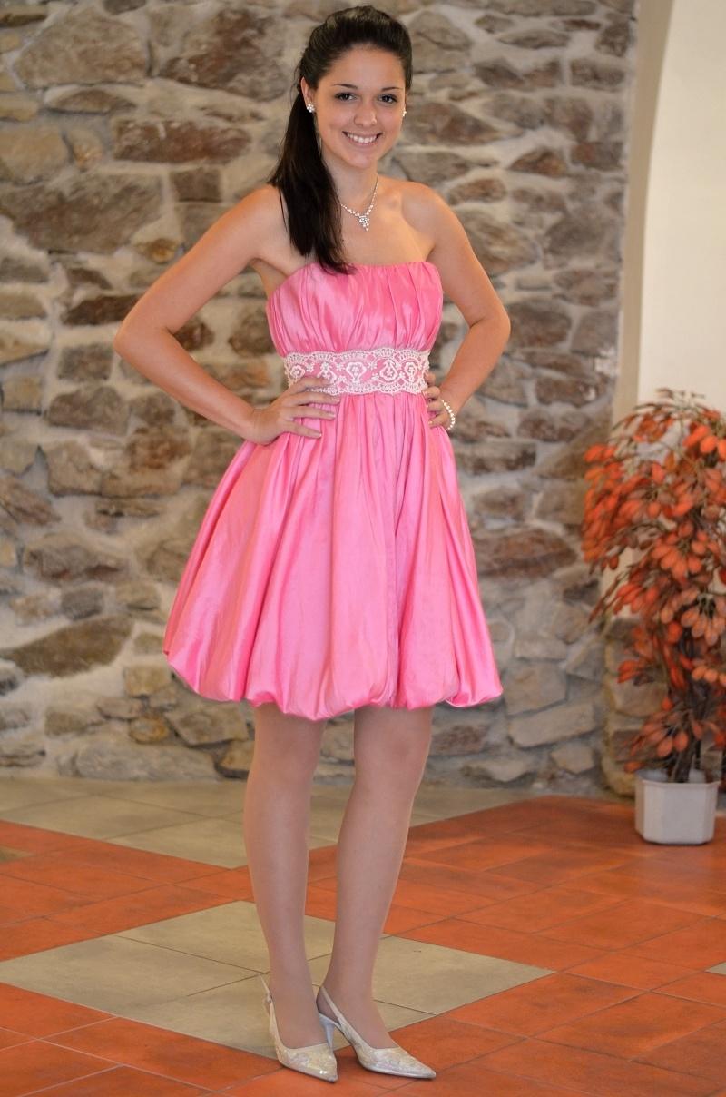 19ddf444ce2 Jak si vybrat šaty na ples   maturitní ples   do tanečních - video ...