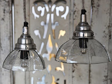 Lampor finns i två storlekar.