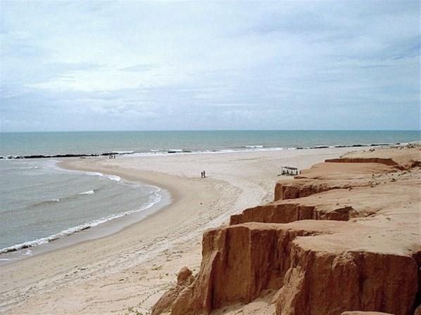 World's Most Beautiful Paradise Beaches: Canoa Quebrada Beach,Aracati, Ceará,in Brazil