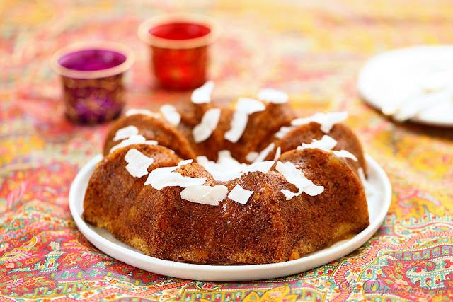 Cake ou gâteau à la marmelade d'orange, semoule et coco