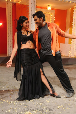 Karthi and Pranitha hot stills