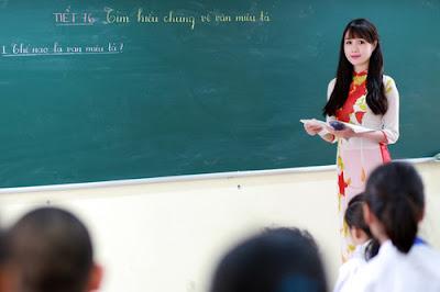 Chữ lễ đâu phải của riêng học trò, thầy cô cũng phải học