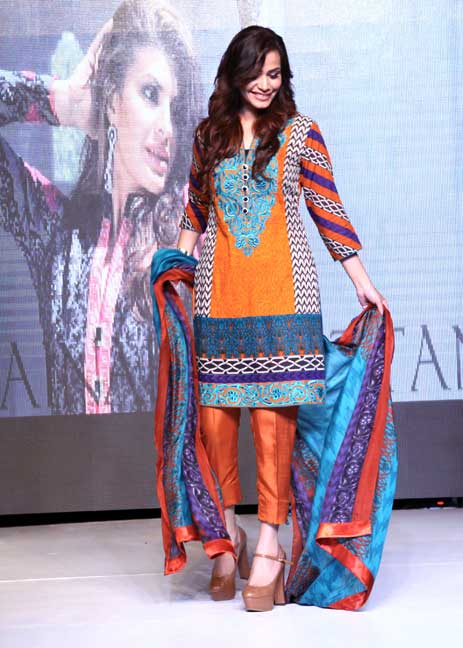 Zainab Chottani, Lawn spring summer 2015, Lawn designer, Lawn collection, Pakistani Lawn, Lakhany Silk Mills, LSM, Pakistan Fashion, Fashion Blog, red alice rao, redalicerao
