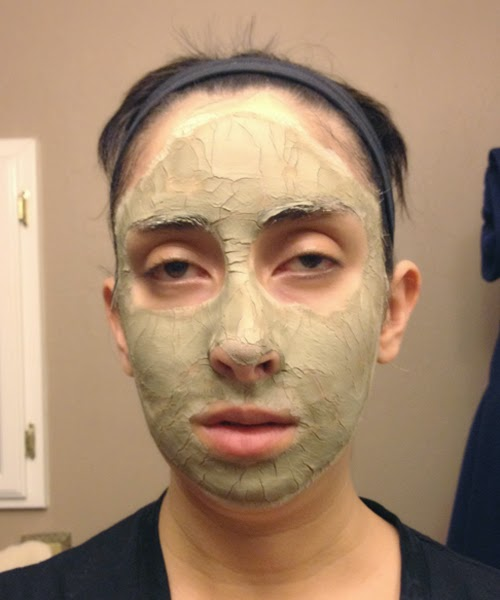 Clay Mask Sucking Out My Life Energy :: The Acne Experiment