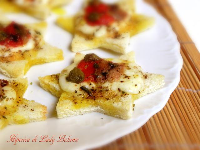 hiperica_lady_boheme_blog_cucina_ricette_gustose_facili_e_veloci_pizzette_di_pancarrè_a_forma_di_stella_4