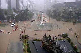 Gambar-Jakarta-Saat-Digenangi-Banjir-2013_5
