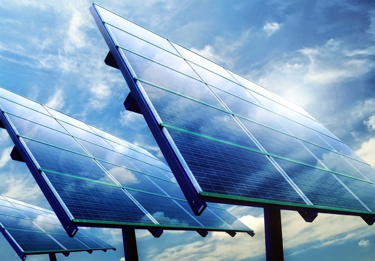 الألواح الشمسية لتوليد الكهرباء