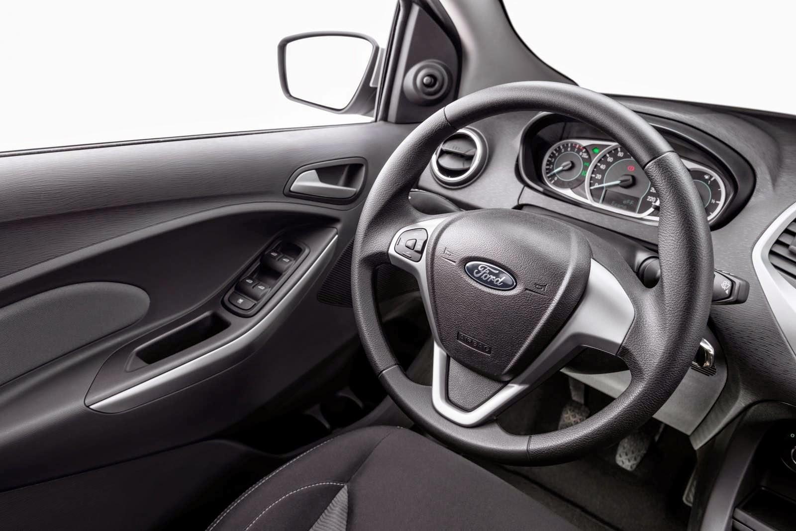 Novo Ford Ka interior 2015