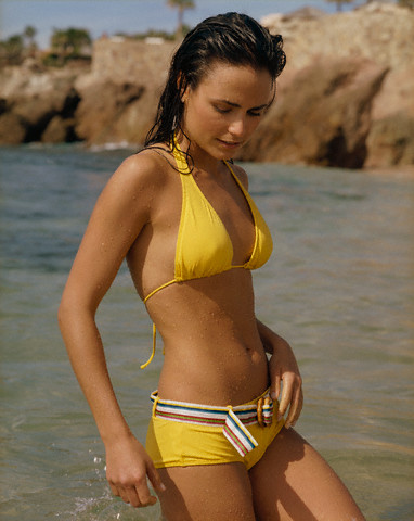 Jordana Brewster Hot S In Bikini