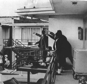 an introduction to the assassination of dr martin luther king jr The reverend dr martin luther king jr with president lyndon johnson president lyndon johnson's secret white house tapes provide a remarkable inside look at city.