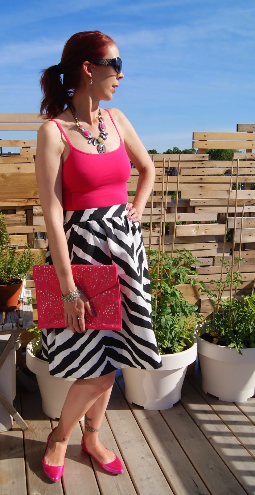 Zebra Print Lady, Express Full Skirt, tank top, Nine West Pink Shoes, Shop For Jayu Statement Necklace, Via by Vieta Clutch from Winners, Fashion, Style, Toronto, Ontario, Canada, Styletips, Melanie.Ps, The Purple Scarf, Pattern, Chic, Summer, Transional,Outfit, Accessories, Pretty, Fabfound