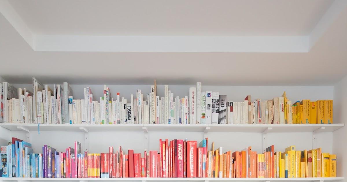b cher nach farben sortiert check wohnprojekt wohnblog f r interior diy und lifestyle. Black Bedroom Furniture Sets. Home Design Ideas