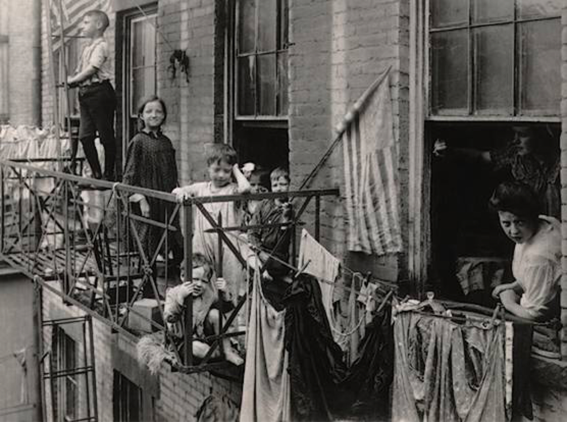an immigrants life in the us during the early 1900s