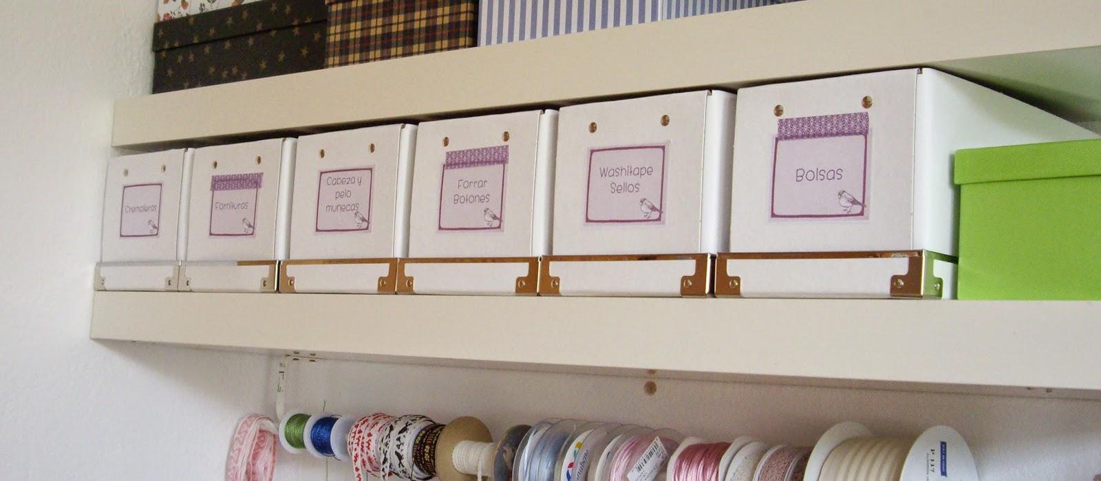 cajas ordenadas con etiquetas
