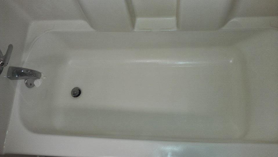Fiberglass repair bathtub home improvement for Acrylic vs porcelain tub