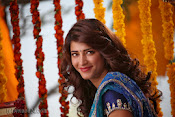 Shruti Haasan Stills from Balupu Movie-thumbnail-6