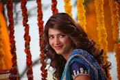 Shruti Haasan Stills from Balupu Movie-thumbnail-6