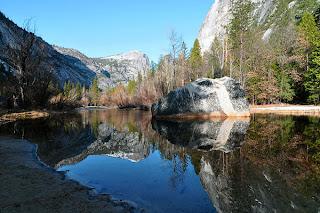Yosemite-national-park-mirror-lake