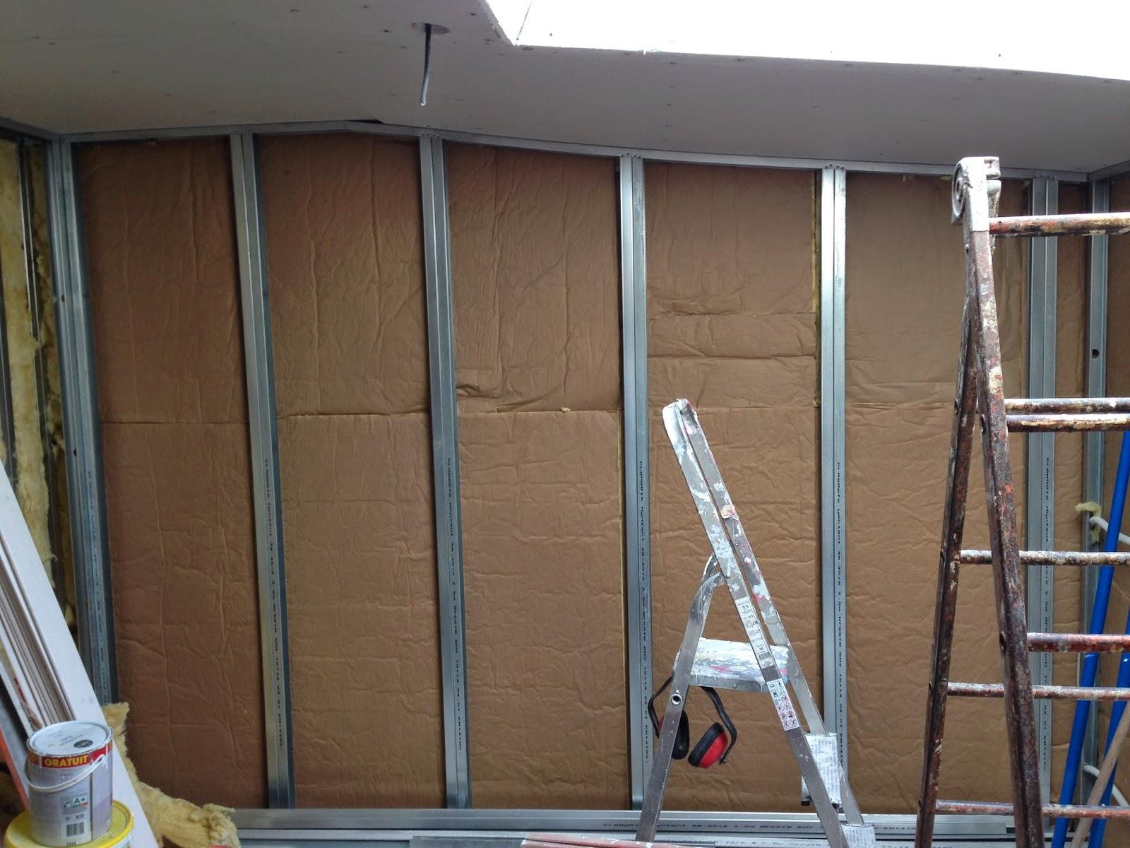 Notre projet bureau rails isolation placo murs for Isolation mur interieur placo