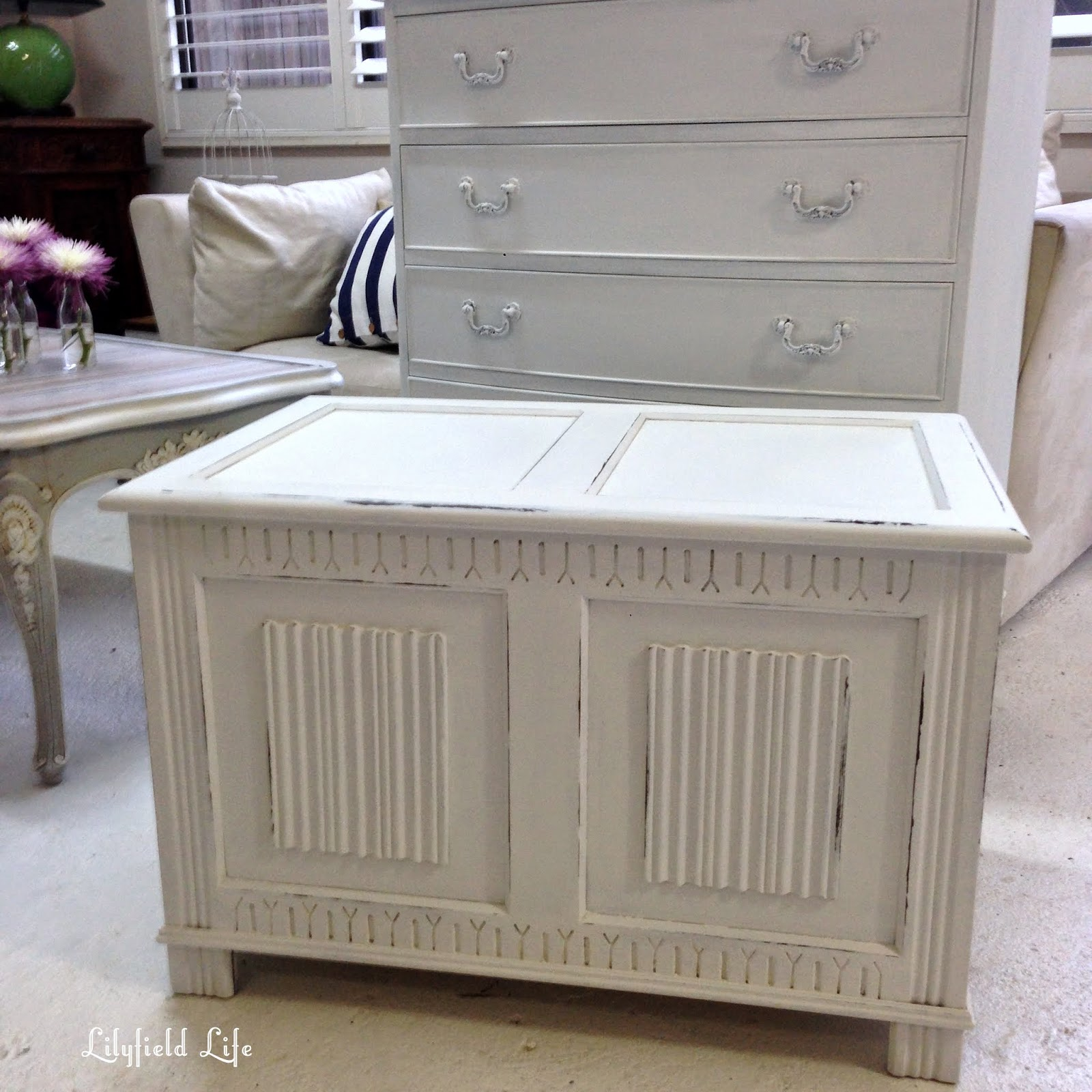 lilyfield life white shabby chic blanket box and fabulous market finds. Black Bedroom Furniture Sets. Home Design Ideas