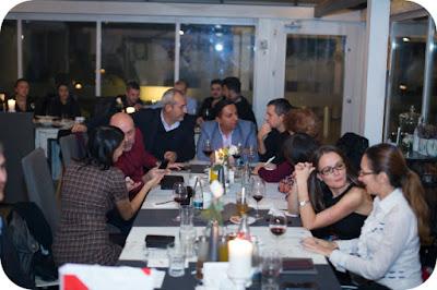 Blogosfera feminina a savurat Roquefort cu Merlot