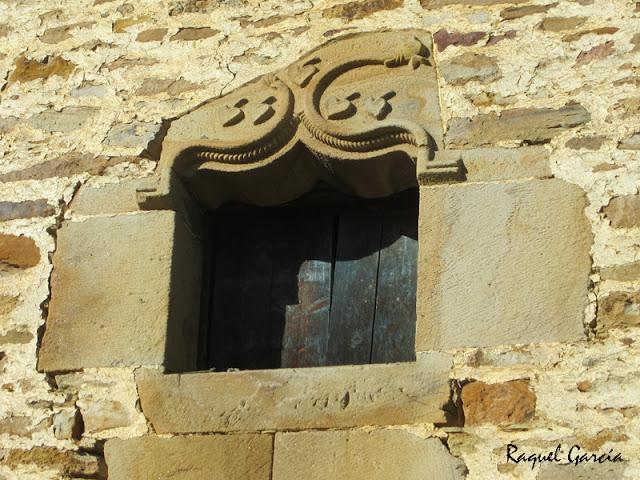 Ventana en la Torre de Mariaka en Amurrio (Álava)