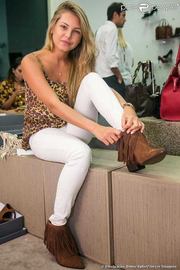 lebel sur quevillon muslim women dating site Our site has thousands of singles who have always been looking to single ocean springs cowgirls interested in cowboy dating true country woman that loves to.