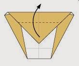 Bước 6: Gấp tiếp tờ giấy vừa gấp lên phía trên. Vị trí gấp là đường ngang đứt đoạn như hình vẽ.